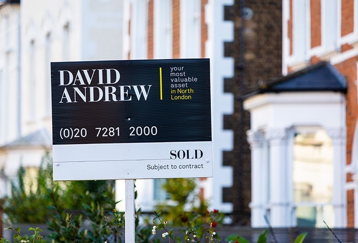 Call on the Chancellor to extend the Stamp Duty holiday